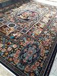 فرش ماشینی 700 شانه تراکم 2550 طرح باغ ارم زمینه سرمه ای