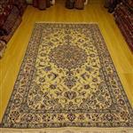 قالیچه گل ابریشم دستبافت نائین/ ابعاد 155*260