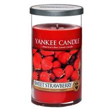 Yankee Candle Sweet Strawberry Medium Pillar Candle