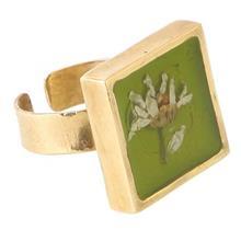 انگشتربرنجی رزینی گالری پرگل کد 187012 طرح گل بابونه